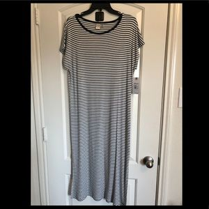 Roxy Nautical colored dress. Navy Blue and white.